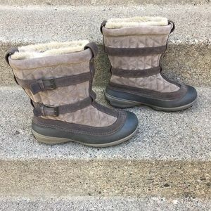 Columbia Flurry Womens Snow Boots Size 9